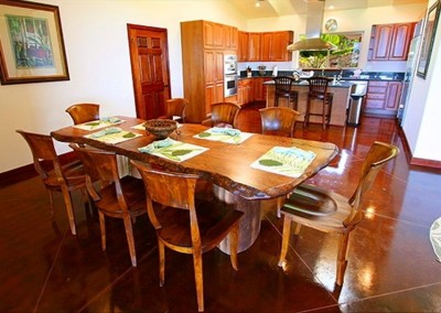 Villa-Quatro Dinning