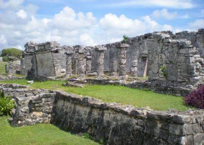 Tulum Pillars
