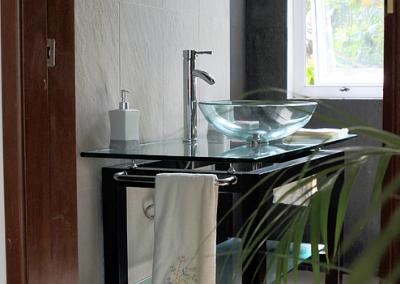 Villa Gauguin Bedroom 5 Bathroom. Shared shower